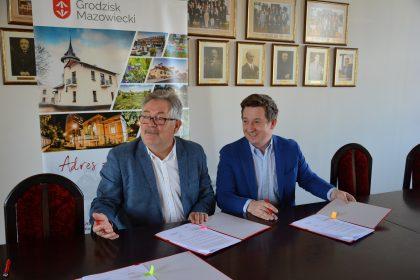 Podpisanie umowy na budowę świetlicy w Zabłotni