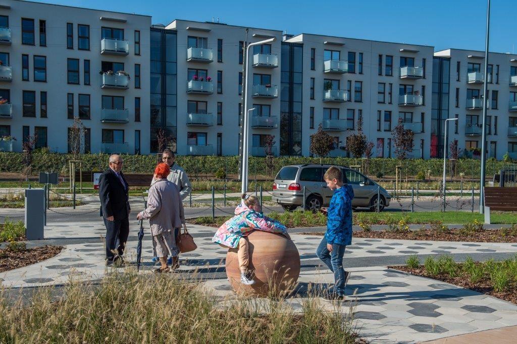 kamienie w Parku przy Bałtyckiej