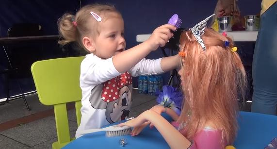Zabawa w fryzjera