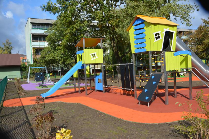 Plac zabaw przy ulicy Szkolnej