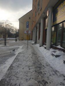 Przypominamy właścicielom o obowiązku usuwaniu śniegu z chodników położonych przy nieruchomościach