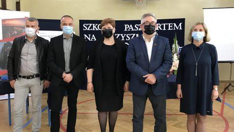 Podpisanie umowy na przebudowę SP 1 w Grodzisku Mazowieckim