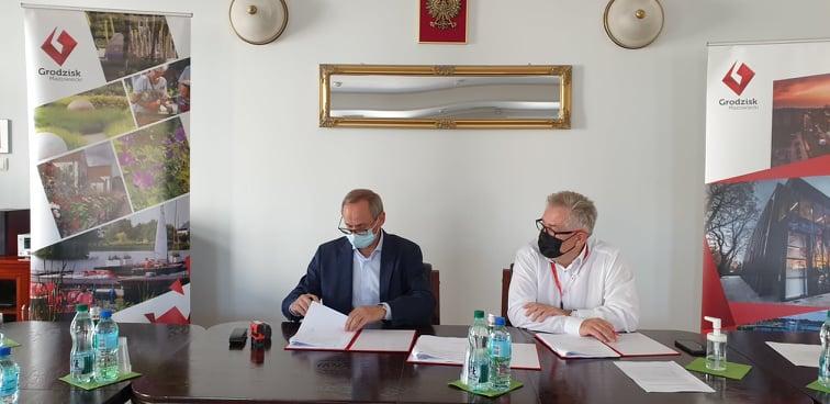Podpisanie umowy na budowę ścieżek rowerowych w gminie Grodzisk Mazowiecki