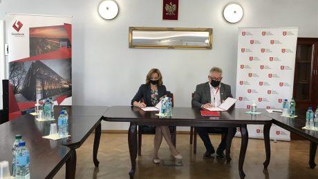 Podpisanie umowy na przebudowę ulic Siennej i Jordanowickiej